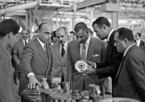 جمال عبد الناصر والمصانع