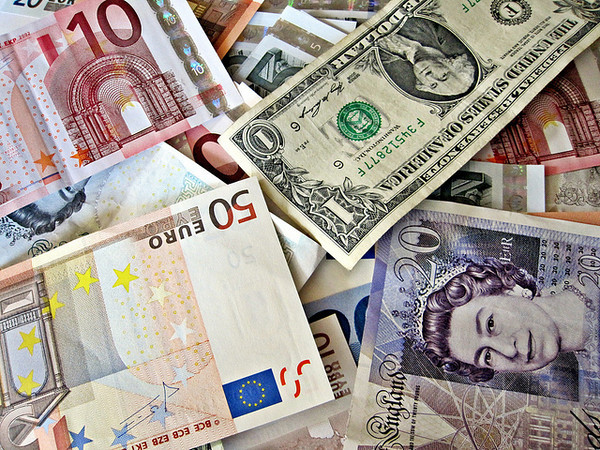 Benefits of Using Cash While Travelling