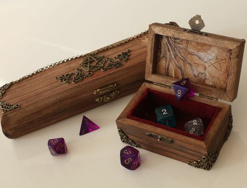 Dice Box Role Play Dungeons and Dragons