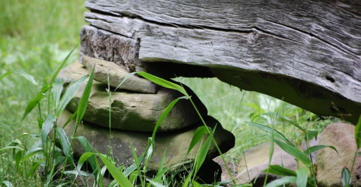 pondasi batu