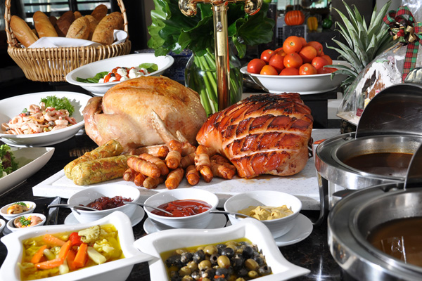 https://i0.wp.com/at-bangkok.com/wp-content/uploads/2011/12/Christmas-Eve-Christmas-Day-Grand-Buffet-@-River-Barge.jpg