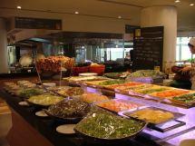 International Buffet Caf Holiday Inn
