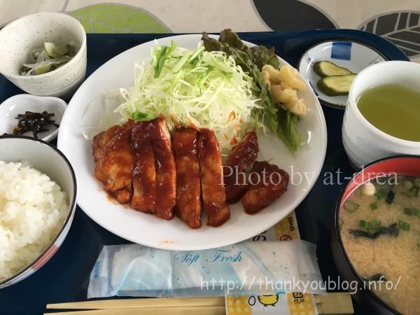 30番さん日替わりランチ 豚カツ肉のポークチャップ