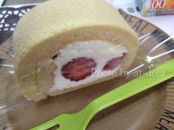 卒業記念パーティー ロールケーキ