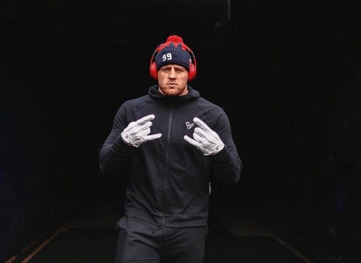 NFL Star, JJ Watt, Gets Emotional in a Post-Game Interview 2
