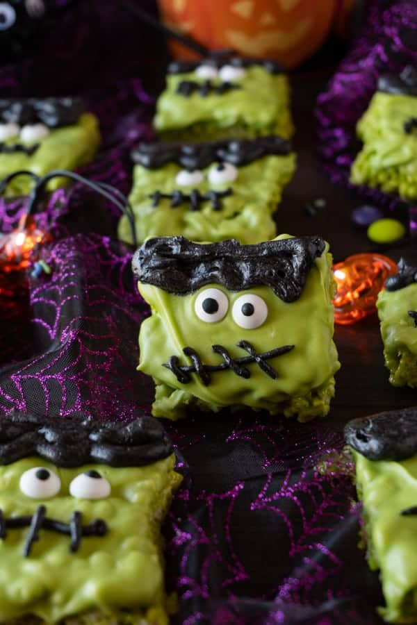 These Frankenstein Halloween Rice Krispie Treats are fun, easy to make, and spookly delicious! #atablefullofjoy #halloween #ricecrispy #ricekrispytreat #frankenstien #monster #party #kidcrafts Easy Halloween Treats for School