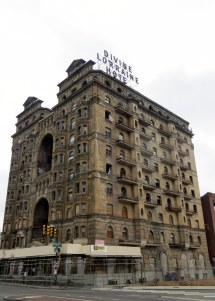 Divine Lorraine Hotel Tall World
