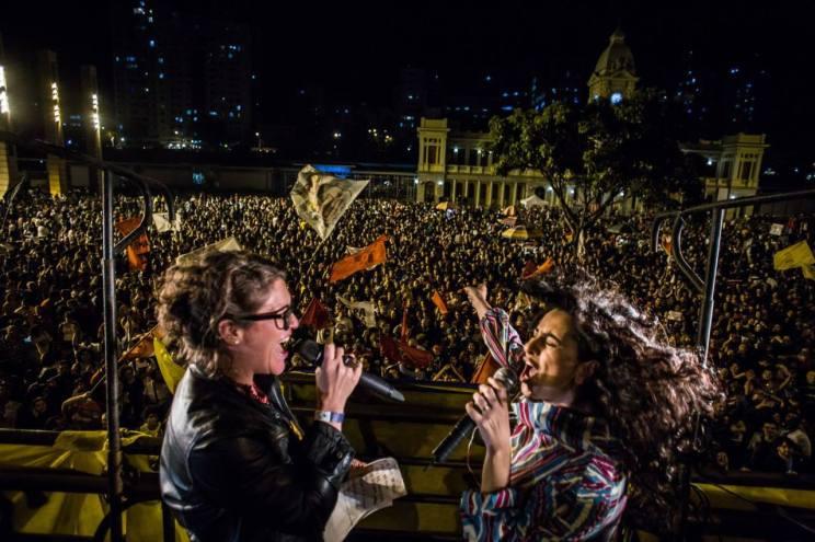 Aline Calixto e Marina Machado no Minas pelas diretas_M[idia Ninja_o