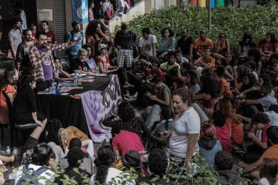Boulos e os esdtudantes no 55 Cong Une-BH_Midia Ninja_o