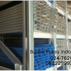 Overstek Baja Ringan Proyek Gudang   Rangka Atap Bluescope Jawa Tengah
