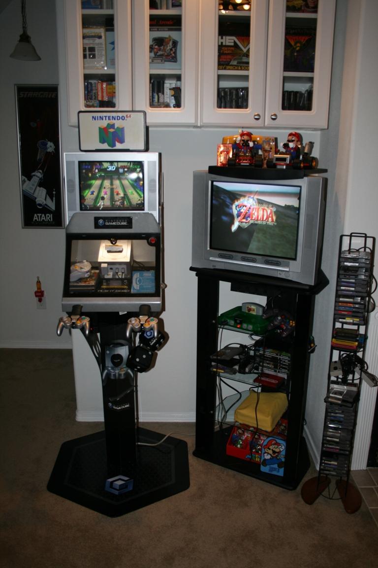 Nintendo GameCube Kiosk  Classic Gaming General