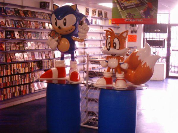 Sega Sonic  Tails rare lifesize characters  Classic