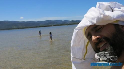 Primeira parada, crianças soltas na água!