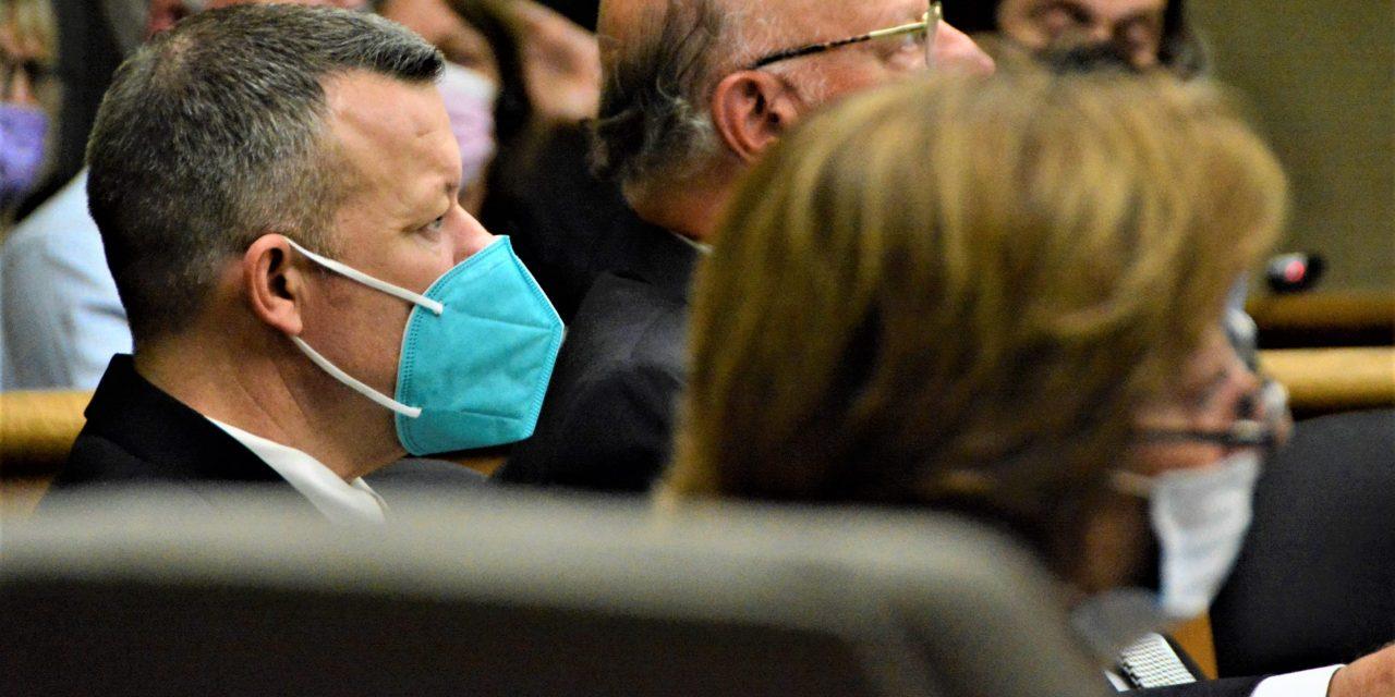 Retired Detective Recalls FBI Using Jail Informant to Investigate Paul Flores