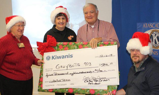 Knights of Columbus, Kiwanis Club Donates to Greybots