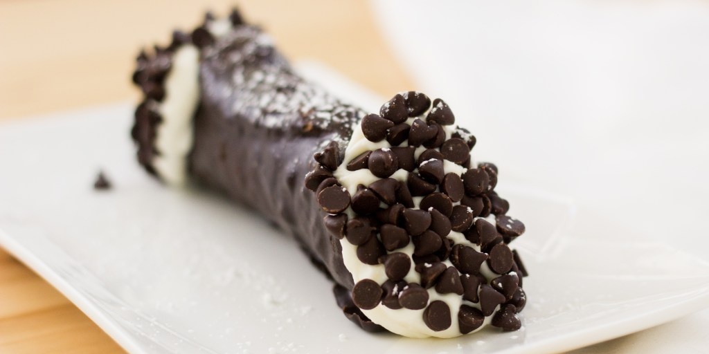 DD - Lefty's A Taste of Boston - Chocolate Cannoli with Chocolate Chips5536