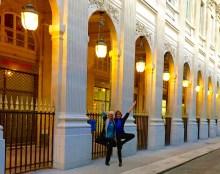 yoginis together, jardin du palais royal, paris