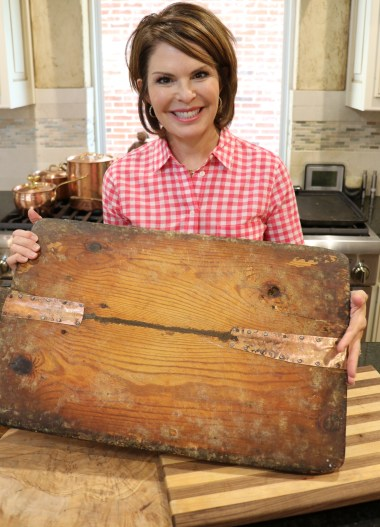 Lorie with wooden boards