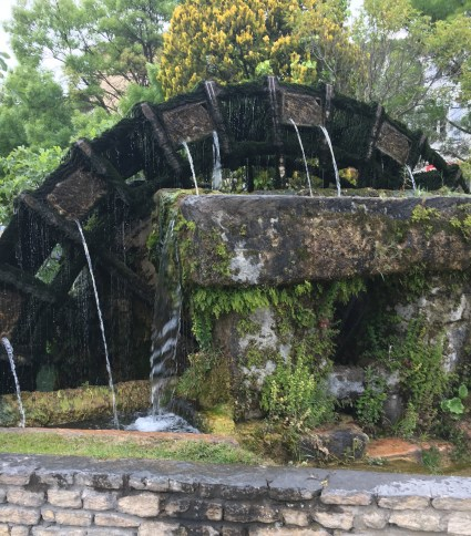 water wheels in L'Isle-sur-la-Sorgue