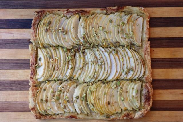 Beautiful and delicious apple pistachio tart recipe.