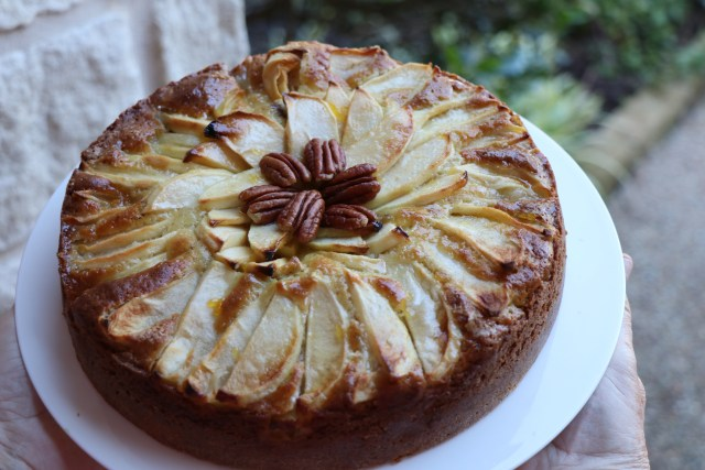 Apple Cake Recipe ready to be served