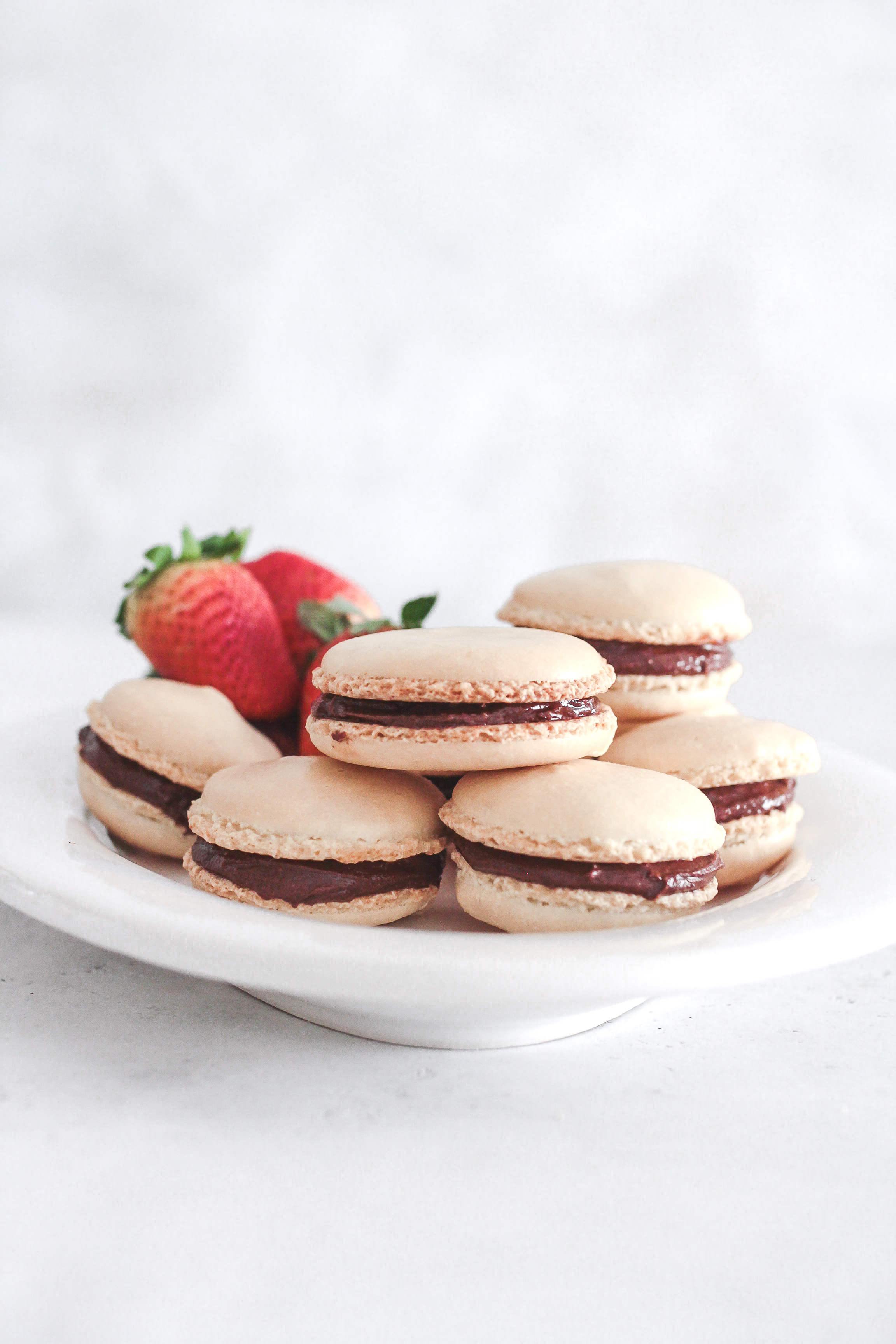 Easy to Homemade Vanilla Chocolate Ganache Macarons