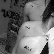 Awesome 3 triangles tattoo for sisters and brother https://pl.pinterest.com/pin/29836416260573574/