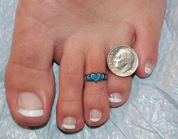 Blue heart toe rings tattoo for women