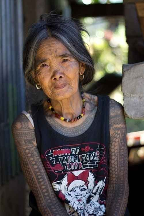 Japanese women with her tattoos