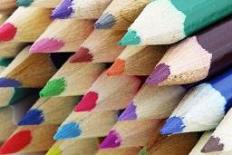 Zoom o detalle de lapices de colores (imagen de pixabay)
