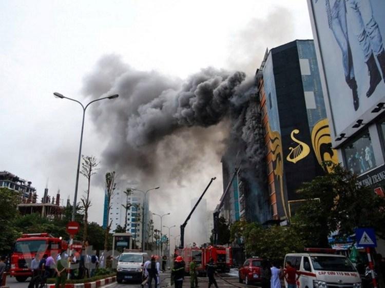 Hiện trường vụ cháy nghiêm trọng khiến 13 người thiệt mạng tại quán karaoke 68 Trần Thái Tông, quận Cầu Giấy, thành phố Hà Nội xảy ra trong năm 2016. (Ảnh: Minh Sơn/Vietnam+)