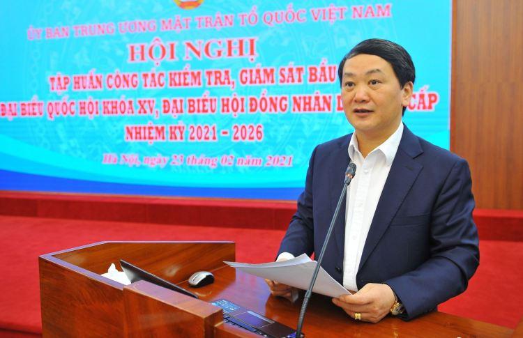 Hau A Lenh, membre du Comité central du Parti, vice-président et secrétaire général du Comité central du Front de la Patrie du Vietnam, chef adjoint du Comité directeur pour les élections du Comité central du Front de la Patrie du Vietnam. Photo: VNA