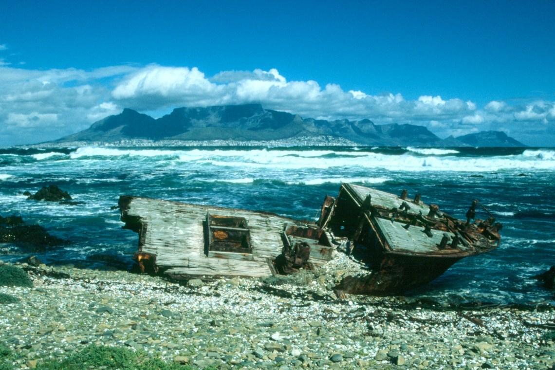 capetown_robben_island_shipwreck