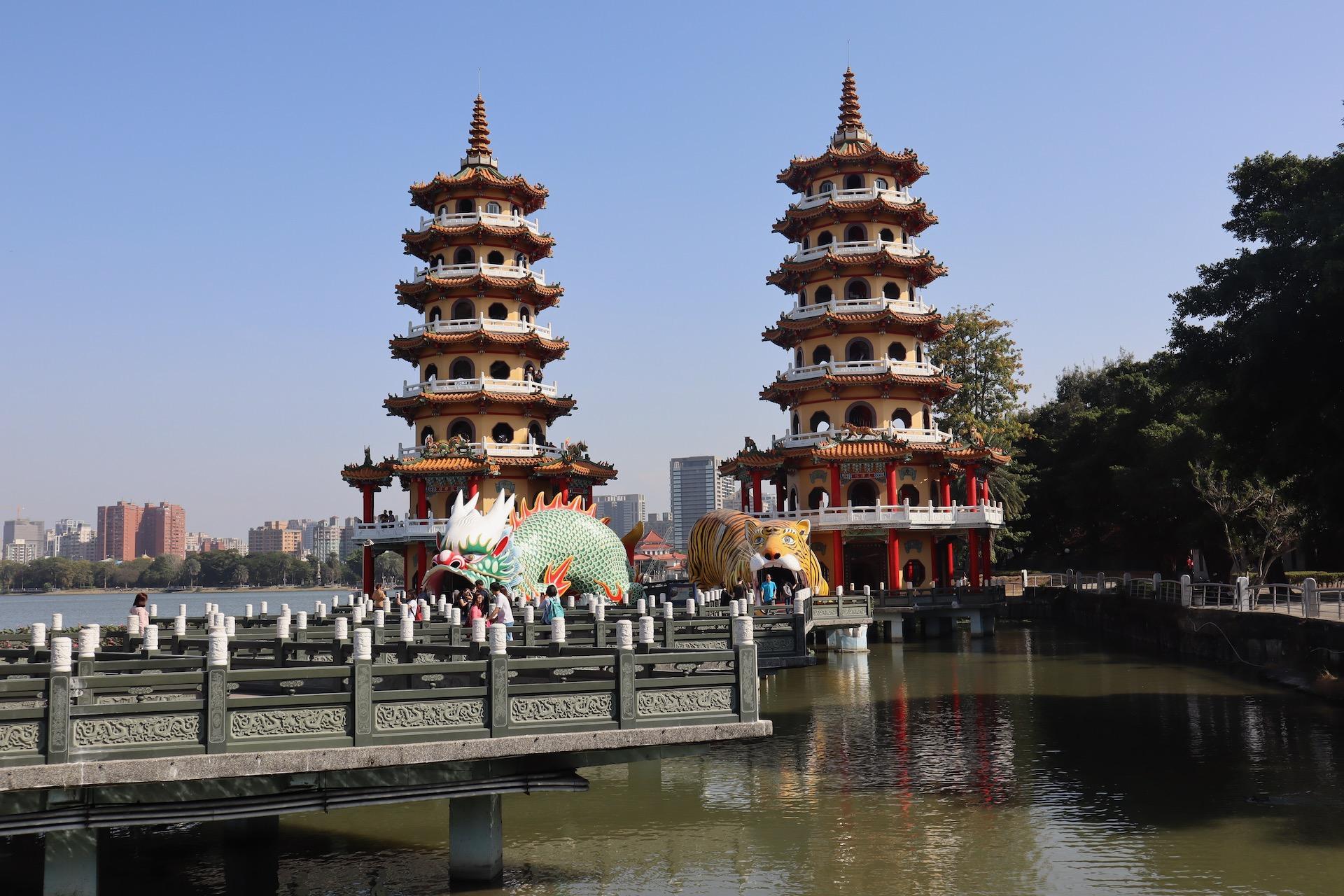 Bajkowe świątynie Kaohsiung: Pagody Smoka i Tygrysa