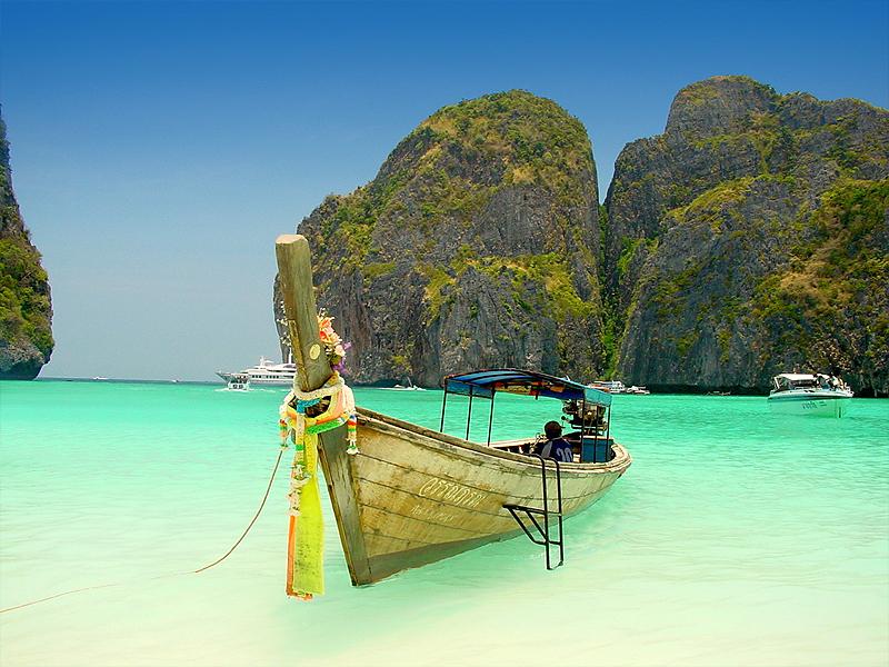 Maya Bay em Phi Phi Islands - Tailândia