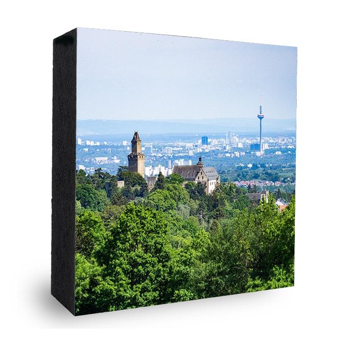 Kronberg Burg mit Skyline