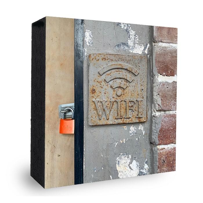 Wifi Lockdown Bild auf Holz