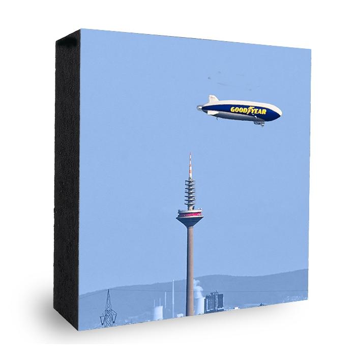 Good Year im Anflug Zeppelin