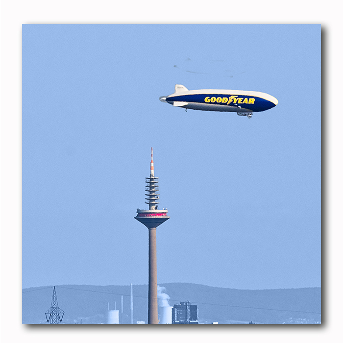 Good Year im Anflug Zeppelin