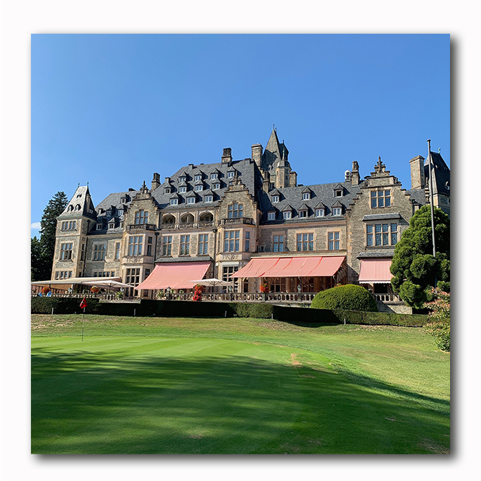 Kronberg Schloss Golfplatz Schlosshotel Bild auf Holz