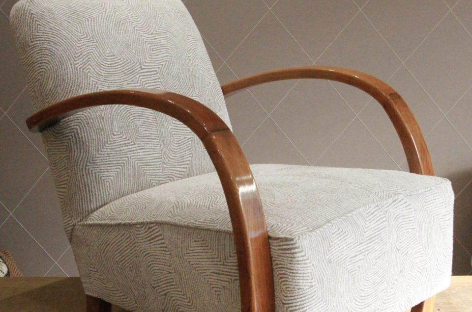 Joli mix d'un fauteuil Art Déco et du jacquard Pierre Frey Samarai tissé en France