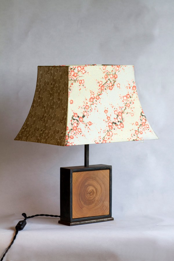 Lampe Hashira 柱 naturelCerisier en fleurs