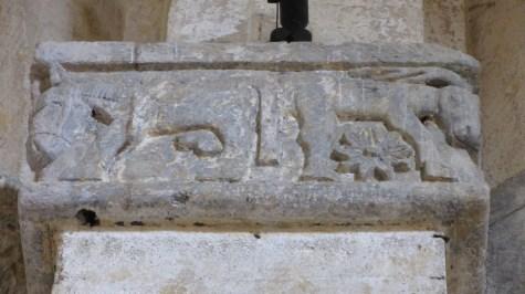 Capitello con asino e cervo divino, S.Maria in Castello, Tarquinia, VT, Italia