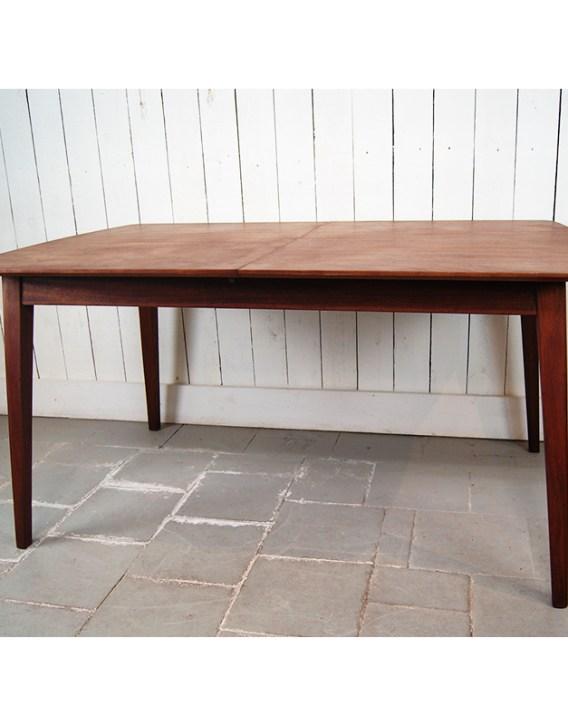 table-acajou-pommele-3