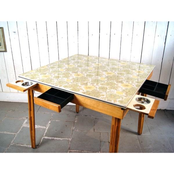 table-fleur-formica-2