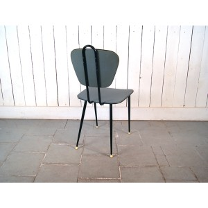 chaise-bleue-1