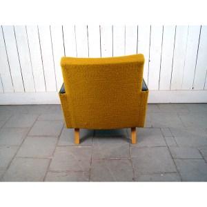paire-fauteuil-moutarde-skai-noir-1