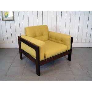paire-fauteuils-massif-et-jaune-moutardes-5