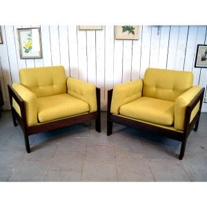 paire-fauteuils-massif-et-jaune-moutardes-9