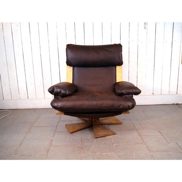 fauteuil-tournant-cuit-brun-4
